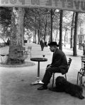 med_robert-doisneau-jacques-prevert-au-gueridon-1955-jpg