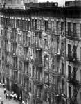 bruce-davidson FACADE-OF-BUILDING-ON-EAST-100TH-STREET-EAST-HARLEM-NEW-YORK-CITY-1966-68-1-C30646