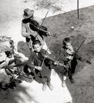 photo by Eva Besnyö, Gypsies 1931