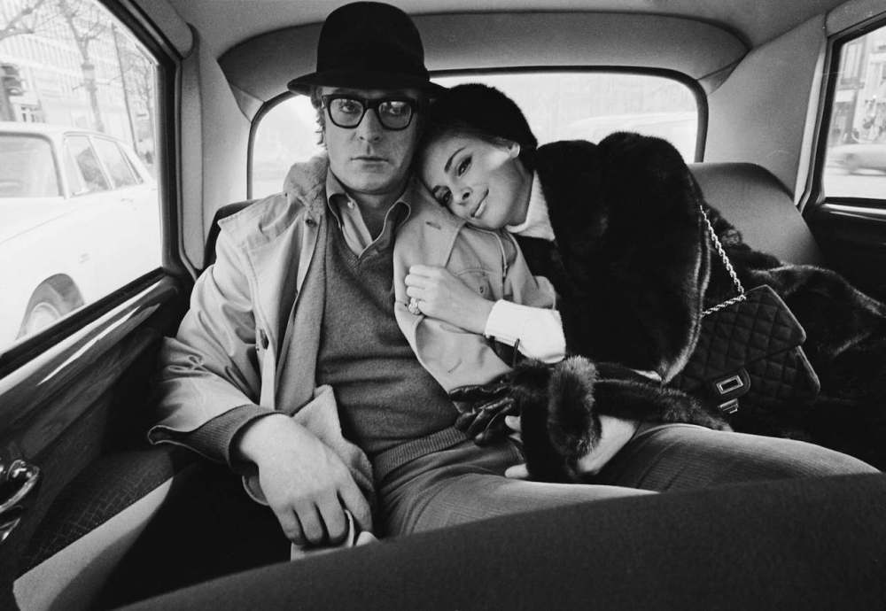 15-michael-caine-anjanette-comer-1966-terry-o-neill