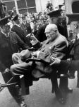 SIR-WINSTON-CHURCHILL-LEAVES-HOSPITAL-LONDON-21-AUGUST-1962-1-C29242