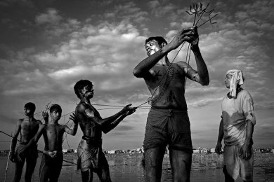 smithsonian-photo-contest-people-bangladesh-worship-aklas-uddin