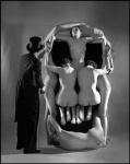 in-voluptas-mors-dali2salvador-dali-women-skull+Philippe+Halsman