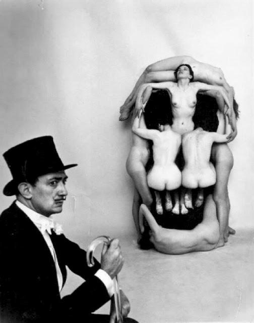 salvador-dali-women-skull+Philippe+Halsman