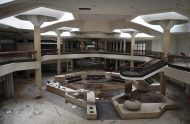 abandoned_shoppingcenter_04