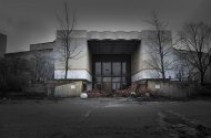abandoned_shoppingcenter_14