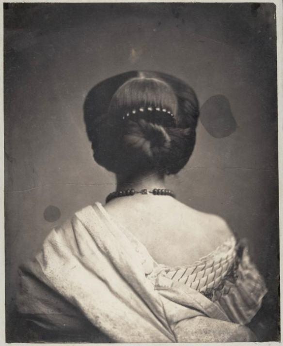 portrait-dos-photo-ancienne-vintage-01-654x800